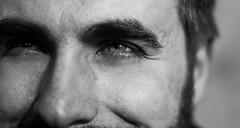Ma a chi appartiene uno sguardo? A chi lo d o a chi lo riceve? E se due sguardi si fondono insieme cosa capita? Se non si riescono pi a staccare dove vanno? (~ RossaMossa.) Tags: bokeh diego occhi sguardo e bianco ritratto nero giulia chiari bertaglia