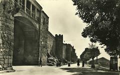 vila. Puerta del Rastro. (Jos Luis Pajares) Tags: old espaa heritage photo spain foto antique unesco antigua postal espagne antiguo 1950 vila patrimonio