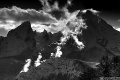 Dance of the Clouds (alpenbild.de) Tags: bw cloud mountain mountains nature monochrome berg clouds contrast landscape bayern bavaria berchtesgaden natur wolke wolken berge sw schwarzweiss landschaft kontrast contrasts bgl kontraste 巴伐利亚 watzmann berchtesgadenerland watzmannkar alpenbildde