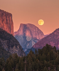 Full Moon Rise Behind Half Dome, October 2011 (Jeffrey Sullivan) Tags: california park november sunset copyright usa moon jeff nature weather canon landscape photography photo el full clear national valley yosemite dome half halfdome yosemitenationalpark sullivan rise capitan 2011 absolutelystunningscapes 5dmarkii wwwmyphotoguidescom