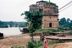 Orchha, India (2011) (camillaroad) Tags: travel india history architecture landscape colours orchha uttarpradesh filmphotography travelphotography