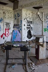 (Scuffles33) Tags: nyc urban abandoned hospital graffiti li chair medical urbanexploration kingspark dentist asylum psychiatric kppc