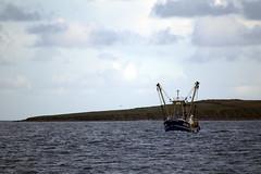 De Regreso (torresgarciac) Tags: sol mar barco cielo nubes pesca oceano