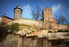 IL CASTELLO DI NORIMBERGA. (Skiappa.....v.i.p. (Volentieri In Pensione)) Tags: lumix panasonic mura castello germania maniero norimberga centrostorico skiappa