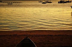 uma nova semana... (Ruby Ferreira ) Tags: sunset boats bay sand silhouettes prdosol baa silhuetas santoantoniodelisboasc