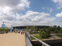 Walking up to the Olympic Stadium (lcfcian1) Tags: city england london sunshine stadium capital olympic olympicstadium stratford stratfordlondon