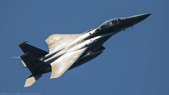 Shiny wings. (Marcus Legg) Tags: blue sky canon eos aircraft aviation f15 lakenheath raflakenheath 1dmarkiv marcuslegg canonef100400mmf4556lisiiusm