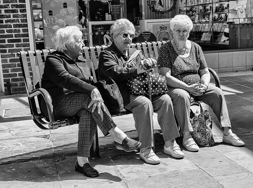 Bench maidens