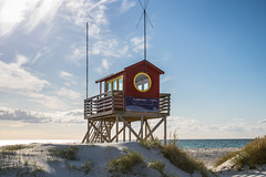 The Lifeguards Tower (Infomastern) Tags: sea sky cloud tower beach strand sand himmel hav skanr moln