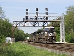 Norfolk Southern Chicago Line / CP 464 (codeeightythree) Tags: railroad ns signals transportation signal railroadsignals norfolksouthern laporte laporteindiana signalbridge norfolksouthernrailroad fastfreight haulingfreight norfolksouthernchicagoline