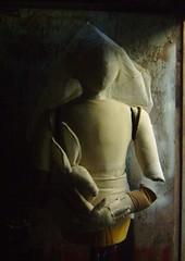 The Bride - La Novia (Valeria Dalmon) Tags: sculpture woman white art blanco mujer hare dolls size escultura human muecos muecas marionett textil liebre