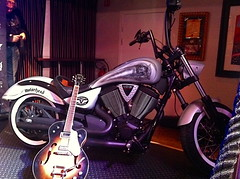 Motrhead / Victory Motorcycles - Phil Campbell (Marius Mellebye / 276ccm) Tags: leather model seat signature victory solo motorcycle custom airbrush custompaint motrhead bobber mariusmellebye cbp 276ccm