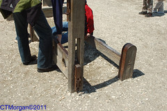 20070408-014.jpg (ctmorgan) Tags: stocks colonialwilliamsburg pillory whippingpost