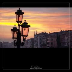 Romntica Luz (Julio_Castro) Tags: atardecer lumix europa cielo farolas venecia venezia dmclx1 oltusfotos