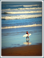 SURFING-IJN (Sigurd66) Tags: espaa beach spain farola surf asturias playa surfing espagne gijon xixon asturies cantabrico costaverde playasanlorenzo principadodeasturias costacantabrica principautredesasturies