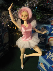 Sugar Plum Fairy (Tygra Beaumont) Tags: christmas tree ballerina gifts ornament presents bow sugarplum josephsplatz jdoll