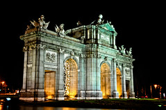 Puerta de Alcal Madrid Spain at Night (mbell1975) Tags: madrid plaza espaa monument night square de lights evening la spain puerta gate arch eu clear espana porto porte portal tor independence independencia alcala alcal