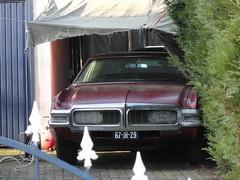 1968 Oldsmobile Toronado (Skitmeister) Tags: auto street holland classic netherlands car vintage voiture vehicle oldtimer youngtimer klassiker pkw klassieker carspot skitmeister 67jr29