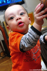 Amir Rayyan (muhammad.ezzat) Tags: portrait baby cute kids strawberry comel kitlens active bayi kidsplaying kidsphotography nikond90 budakbudak amirrayyan ezzatadnancom