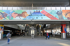 Station Zuidplein Rotterdam (FaceMePLS) Tags: painting graffiti mural metro nederland thenetherlands streetphotography metrostation spoorwegen tekening roltrap muurschildering rotterdamzuid straatfotografie stationtrain facemepls vogelaarwijk prachtwijk metrohalte nikond300 krachtwijk millinxbuurt stoptubetreinstationtreinrailway stationnsrandstadrailrrnederlandse