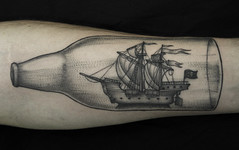 Barquinho (taiom) Tags: boat bottle dotwork tattootaiombrasiliavanguardvct