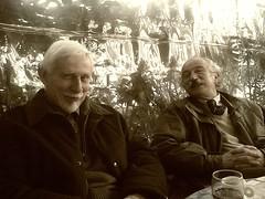 insieme al caffè (d'acqua) Tags: friendship amici caffè nokia6630 amicizia vino