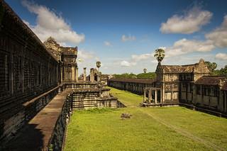 A balloon on Angkor