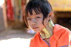 Thalande -  (jmboyer) Tags: voyage travel portrait tourism girl canon thailand photography photo yahoo asia flickr photos femme picture tribal karen thalande longneck planet lonely asie lonelyplanet tribe monde thailandia birma couleur gettyimages tourisme visage nationalgeographic viajar tailand thanaka tribu padong padaung birmanie kayan femmegirafe googleimage go birmania  lurvely ethnie travelshot documentory besttravelphotos canonfrance earthasia giraffewomen imagesgoogle googlephoto jmboyer mujeresdecuellodejirafa tha1171dxo