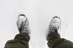 Pristine snow (Arne Kuilman) Tags: winter snow cold feet netherlands walking shoes pants hiking sneeuw awd karrimor koud voeten amsterdamsewaterleidingduinen schoene stealthgear karrimormeridianlowevent waterduinenvanamsterdam