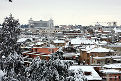 "Roma • <a style=""font-size:0.8em;"" href=""http://www.flickr.com/photos/51794600@N00/6824990743/"" target=""_blank"">View on Flickr</a>"