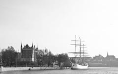 A ship at Skeppsholmen (realdauerbrenner) Tags: city travel trees castle reisen ship sweden stockholm schweden tourist stan stadt sverige schiff skeppsholmen youthhostel stad resa 2014 jugenherberge