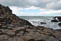 Giant's Causeway (Sara Albo) Tags: ocean mar rocks northernireland giantscauseway rocas bushmills antrim calzadadelgigante irlandadelnorte