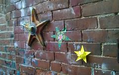 Stars (oschene) Tags: brick graffiti star origami origamipropopulo