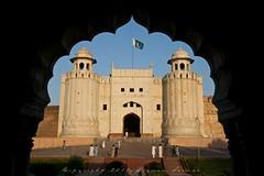 Alamgiri Gate - Lahore Fort (z) Tags: city pakistan green architecture construction gate fort flag main entrance mosque straight za bagh lahore f28 oldcity masjid ssm walled alignment grandeur  mughal badshahi maingate 1635mm darwaza  hazoori alamgiri widescape  variosonnart281635