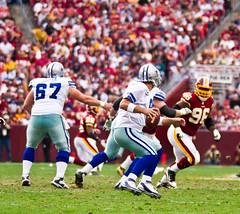 Cowboys-Redskins-073 (maskirovka77) Tags: 20november2011 dc dallas dallascowboys fedexfield grossman londonfletcher ncl nfl nationalfootballleague professionalfootball washingtonredskins cheerleaders fans