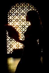 """Contraluz (Hansis y Greta) Tags: contraluz backlighting spain españa andalucia ltytr1 ltytr2 flickraward"""" ltytr3 lamanoamiga cruzadasi cruzadasii cordoba abanico mediterranean mediterraneo"""