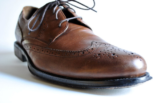 brown shoe dress mens bananarepublic laces wingtip