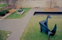 Hirshhom_Sculptures_Ektar100-10.jpg (greauxe) Tags: sculpture museum washingtondc 35mmfilm leicam6classic leicam6 epsonv700 silverfastai kodakektar100 zeisscbiogont2835mmzm filmexplosionblogspotcom