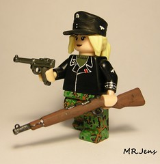 Karabiner 98 Kurz Brickarms (MR. Jens) Tags: world two germany soldier war wiking lego wwii ss german figure ww2 custom luger waffen k98 p08 brickarms kar98k