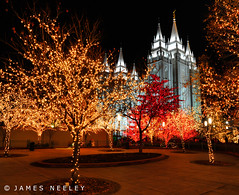 Glory Beams (James Neeley) Tags: utah christmaslights saltlakecity templesquare f12 mormontemple ldstemple lowlightphotography jamesneeley flickr24