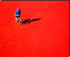 La pedalata (meghimeg) Tags: shadow red sun bike ma ombra uomo bici sole rosso lavagna royo bicicletta 2011