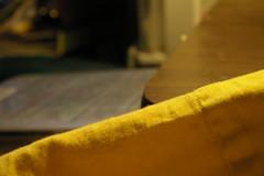 Anglų lietuvių žodynas. Žodis blanket reiškia 1. n vilnonė antklodė; 2. v apkloti; to put/throw a wet blanket on perk. apipilti šaltu vandeniu, ataušinti lietuviškai.