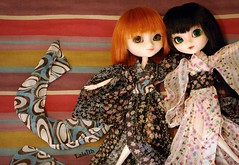Happy birthday Ginny, Hisui, Yuffie & Mec-chan!! (_Lalaith_) Tags: flowers white black green eyes rust doll acrylic dolls foil stock sienna chips sanrio redhead melody wig carrot kimono cancan pullip blanche pullips ginny coolcat lalaith genbu rewigged hisui rechipped youtsuzu