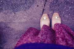 clothes (and shoes) from my mother ♥ (Natália Viana) Tags: flores flower floral fashion vintage shoes saturday skirt clothes sapatos saia mocassim natáliaviana mymothersclothes