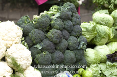 "Broccoli<br /><span style=""font-size:0.8em;"">Read more about it here:<br /><a href=""http://whatscookingmexico.com/2012/01/30/market-monday-sullivan-tianguis-a-photoset/"" rel=""nofollow"">whatscookingmexico.com/2012/01/30/market-monday-sullivan-...</a></span> • <a style=""font-size:0.8em;"" href=""https://www.flickr.com/photos/7515640@N06/6789291291/"" target=""_blank"">View on Flickr</a>"