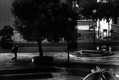 (Raymond Wealthy) Tags: people blackandwhite bw blancoynegro blackwhite nikon gente noiretblanc streetphotography bn raymond wealthy gens noirblanc streetshot blanconegro blancoenegro raymondwealthy