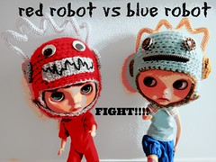 Our super duper Robot hats by Glamorfae!!!