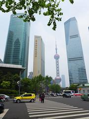 Lujiazui, Pudong (Daniel Brennwald) Tags: china shanghai pudong lujiazui orientalpearltvtower