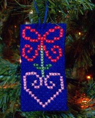 cuore-fiocco 2 (LaPaTs) Tags: christmas cross stitch ornament