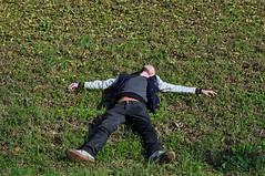 Fall(en) (mikael_on_flickr) Tags: autumn gay en selfportrait man male guy fall me self ego herbst moi io uomo fallen autoritratto mann ferrara lying autunno ich hombre homme autoscatto selfshot mikael lemura sdraiato over40 i joying godendo intero